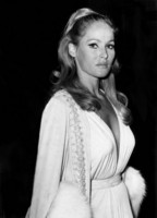 Ursula Andress picture G311991