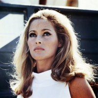 Ursula Andress picture G312007