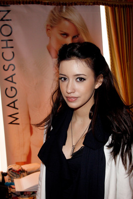 Christian Serratos poster G315714