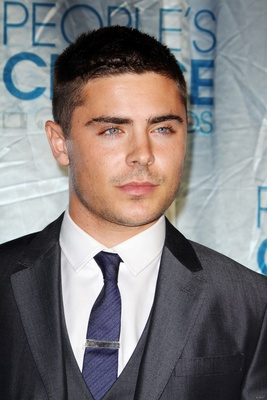 Zac Efron poster G317143