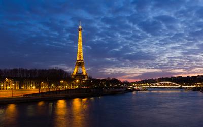 Eiffel Tower poster G318427