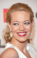 Jeri Lynn Ryan picture G320115