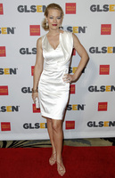 Jeri Lynn Ryan picture G320116