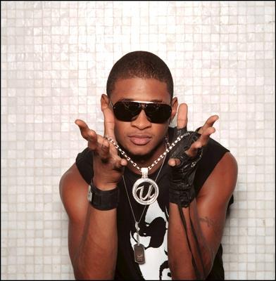 Usher poster G323932