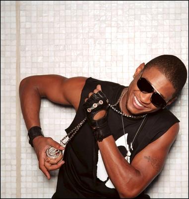 Usher poster G323937