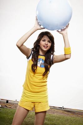 Selena Gomez poster G324365