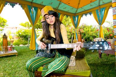 Selena Gomez poster G324373