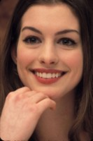 Anne Hathaway picture G33157