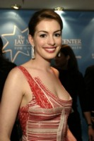 Anne Hathaway picture G33219