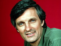 Alan Alda picture G333602