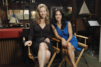Courteney Cox & Lisa Kudrow Reunite picture G333640