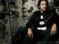 Zachary Levi picture G336306