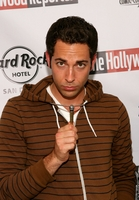 Zachary Levi picture G336308