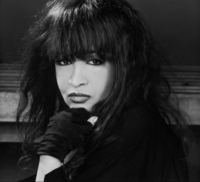 Ronnie Spector picture G336358