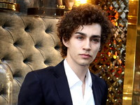 Robert Sheehan picture G339369