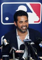 Ozzie Guillen picture G342673