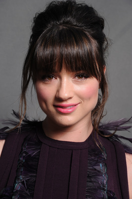 Crystal Reed poster G345438