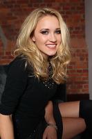 Emily Osment picture G299123