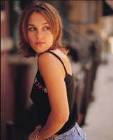 Amy Jo Johnson picture G358988