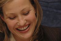 Joey Lauren Adams picture G386341