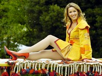 Claire Sweeney picture G392004