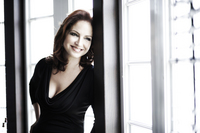Gloria Estefan picture G402015