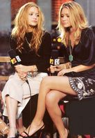 Ashley & Mary Kate Olsen picture G407625