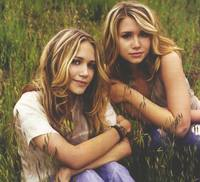 Ashley & Mary Kate Olsen picture G407626