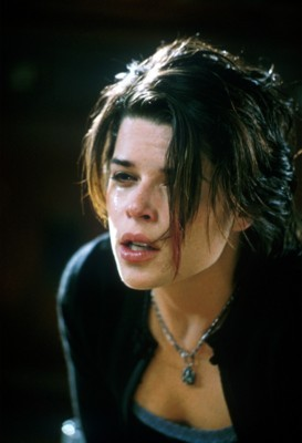 Neve Campbell poster G42022