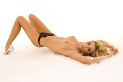 image Melissa beautiful girl with beautiful natural boobs