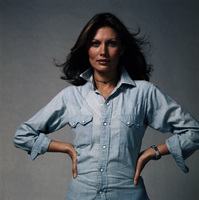 Maud Adams picture G443087