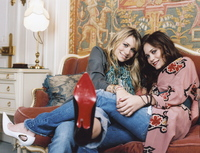 Ashley and Mary Kate Olsen picture G452215