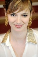 Louise Bourgoin picture G464654