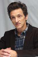 John Hawkes picture G496252