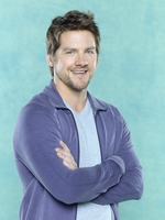 Zachary Knighton picture G522939