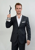 James Van Der Beek picture G524636