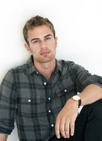 Theo James picture G525221