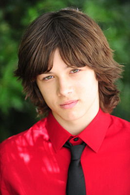 leo howard facebook