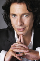 Laurence Llewelyn-Bowen picture G534572