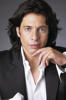 Laurence Llewelyn-Bowen picture G534573