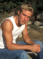 Kyle Lowder picture G534851