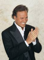 Julio Iglesias picture G534929