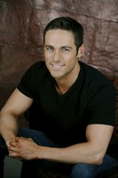 Dylan Bruce picture G537645
