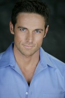 Dylan Bruce picture G537648