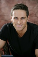 Dylan Bruce picture G537649