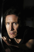 Paul McGann picture G541772