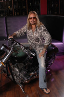 Vince Neil picture G543845