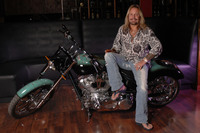 Vince Neil picture G543849