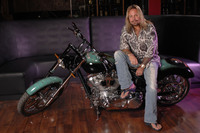 Vince Neil picture G543852