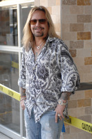 Vince Neil picture G543855